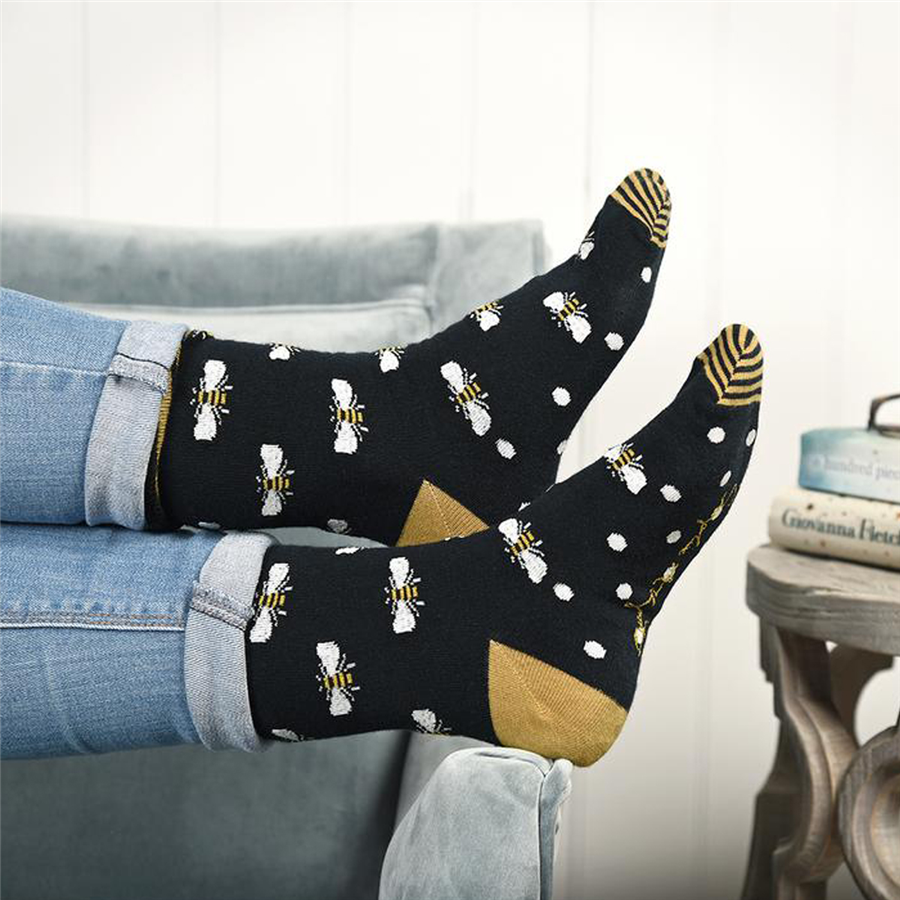 Sophie Allport Ladies Socks- Bees 2